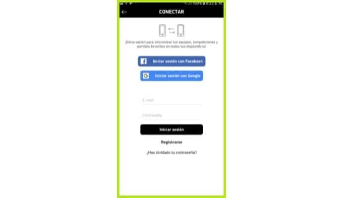 Puedes iniciar sesión con tu cuenta de Twitter o Facebook